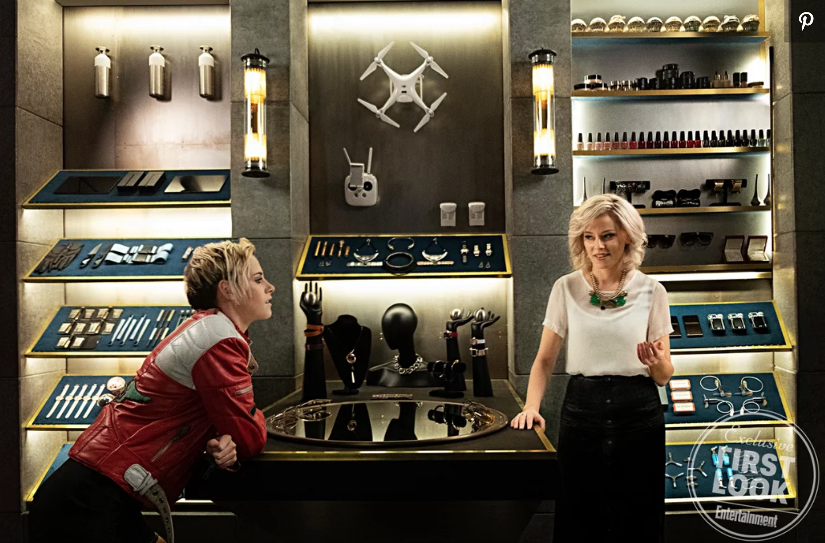 Kristin Stewart and Elizabeth Banks in Charlie's Angels